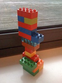 wieża z klocków Lego Duplo